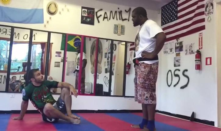 Fake bjj black belt exposed.