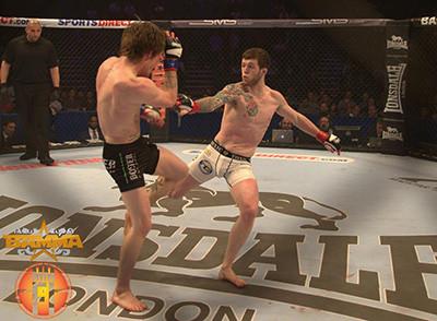 Alan Philpott Lands Leg Kick Bamma.