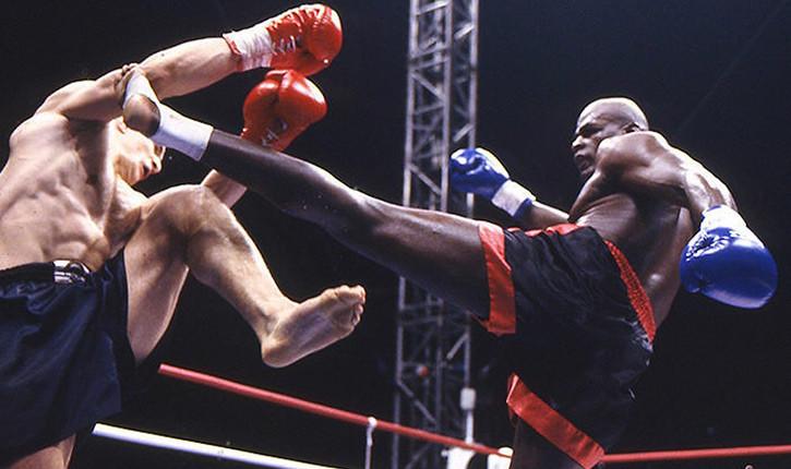 leg kicks by Ernesto Hoost 1999.