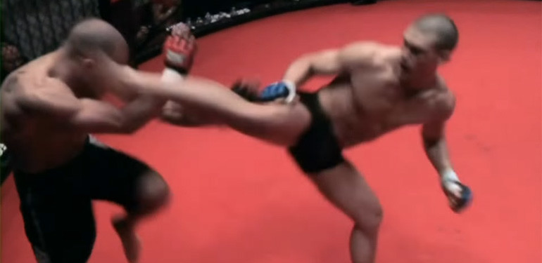 Stephen Thompson's first professional mma fight.