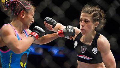 Carla Esparza against Joanna Jedrzejczyk.
