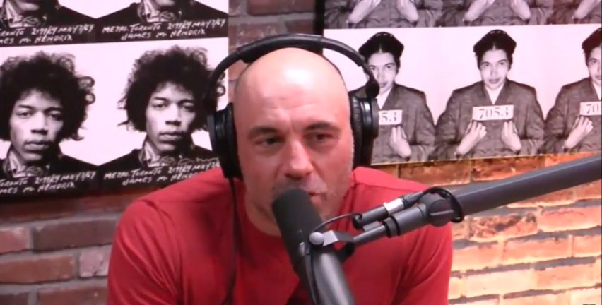 joe Rogan Apologizes to Daniel Cormier.