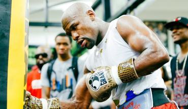 Floyd Mayweather vs Conor McGregor live workout.