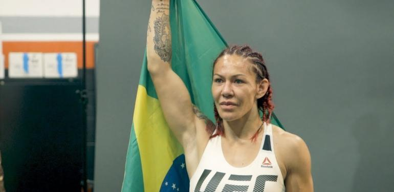 UFC 219 Cris Cyborg vs Holly Holm.