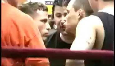 Frankie Edgar takes on Eric Uresk 2005.