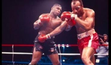 Mike Tyson Defeats Bonecrusher Smith.