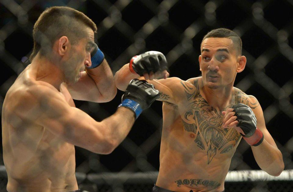 Ricardo Lamas fights Max Holloway UFC.