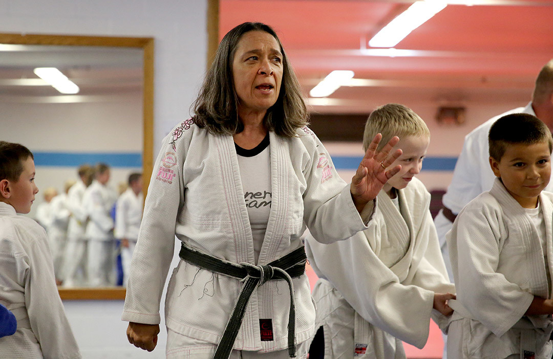 Mother of Ronda Rousey teaching Judo.