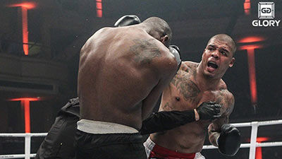 Tyrone Spong land overhand right in Glory.