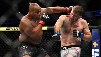 Stipe Miocic Land A Right Hand On Daniel Cormier